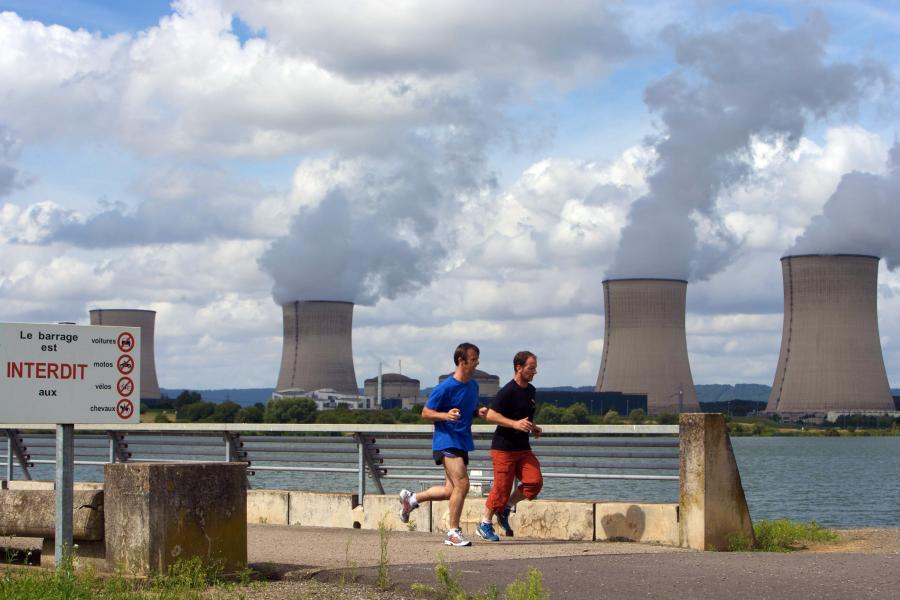 Prof. Czesław Szmytkowski z Politechniki Gdańskiej uważa, że elektrownia jądrowa jest bezpieczniejsza niż węglowa