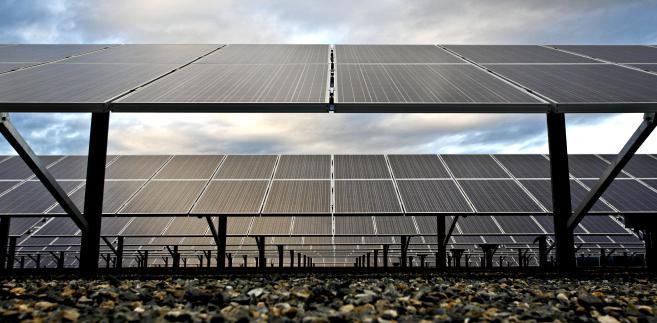 Panele w elektrowni słonecznej