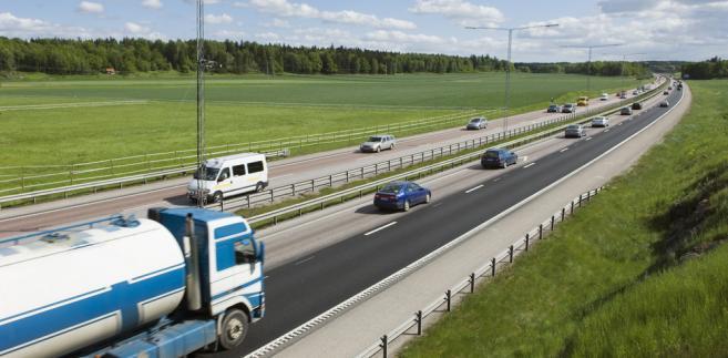 Szacuje się, że co czwarta osoba w Polsce zatrudniona jest w sektorach ściśle związanych z transportem. Kryzys tej branży nie będzie obojętny dla gospodarki.
