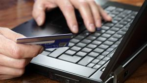 Ulga na internet za 2010 r. wynosi maksymalnie 760 zł i przysługuje osobom korzystającym z internetu w miejscu zamieszkania. fot. Shutterstock
