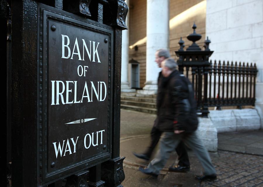 Europejski Bank Centralny obawia się, że przyjęte w zeszłym tygodniu przez irlandzki parlament nowe prawo bankowe w niewystarczający sposób zabezpiecza interesy wierzycieli, a tym samym może wpłynąć na zdolność do udzielania pomocy kolejnym członkom strefy euro.