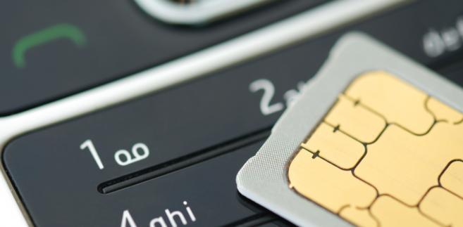 Telefon komórkowy i karta SIM