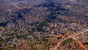 Slumsy otaczające Dżubę, stolicę Sudanu Południowego.