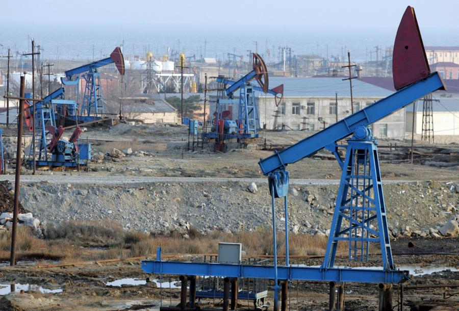 Pola naftowe niedaleko Baku