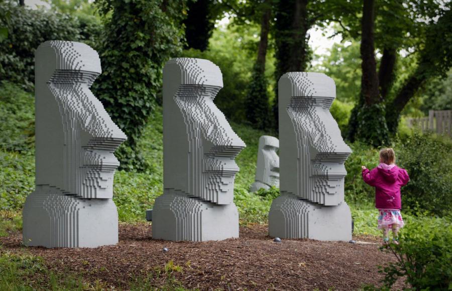 Posągi z Wyspy Wielkanocnej wybudowane z klocków Lego