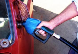 Od środy 11 listopada Grupa Lotos obniża ceny hurtowe paliw.