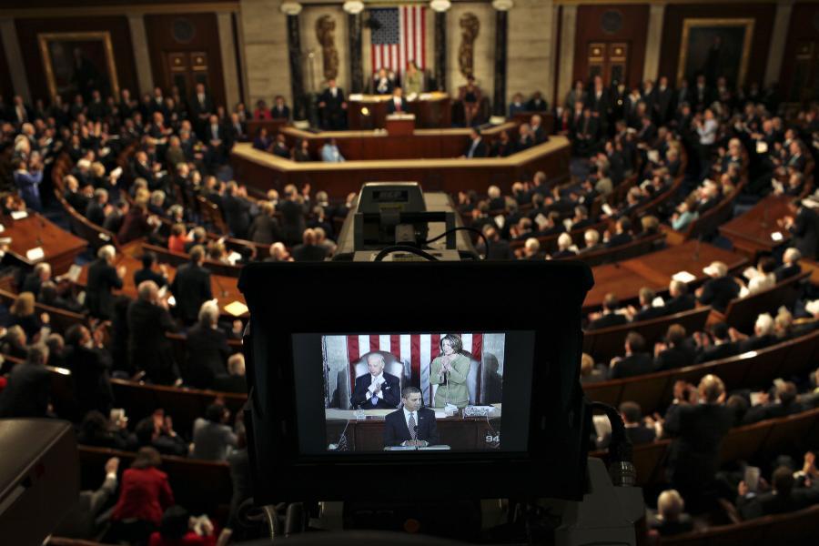 Senatorzy z Partii Demokratycznej zaproponowali w środę zwiększenie zadłużenia publicznego o dodatkowe 1,9 biliona dolarów po to aby rząd mógł utrzymać płynność finansową