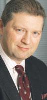 Maciej Srebro, prezes Biatelu, były minister łączności