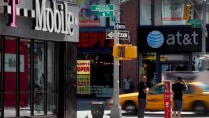 Rząd USA blokuje fuzję T-Mobile i AT&T