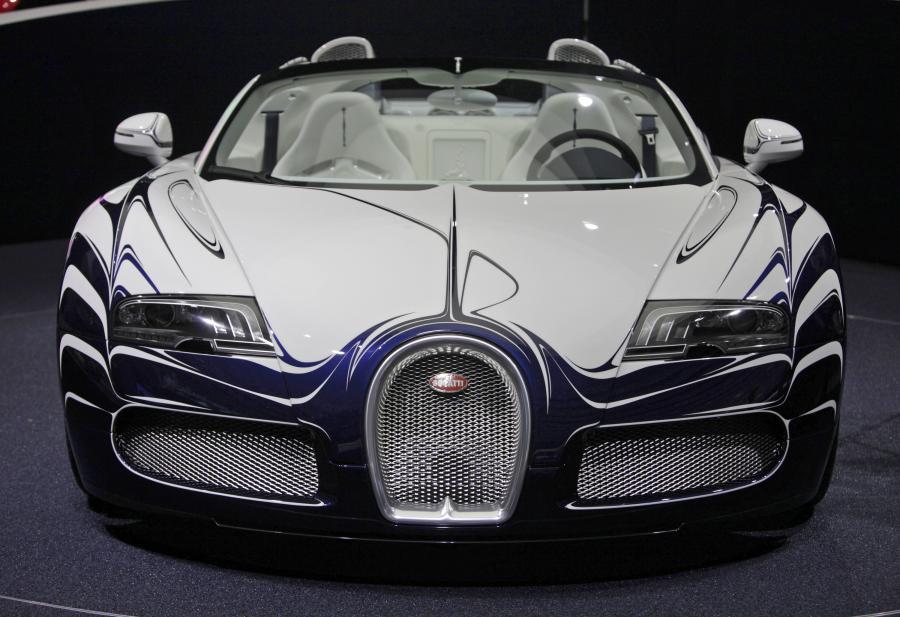 bugatti veyron grand sport l 39 or blanc pierwszy na wiecie samoch d zdobi. Black Bedroom Furniture Sets. Home Design Ideas