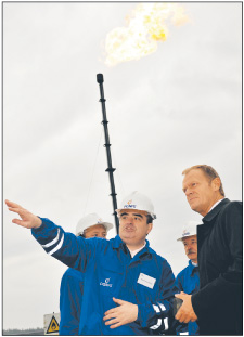 Premier Tusk odwiedził odwiert Fot. Adam Warzawa/PAP