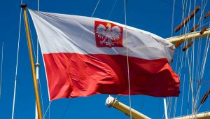 Flaga Polski na żaglowcu, fot. Dmitry Nikolaev