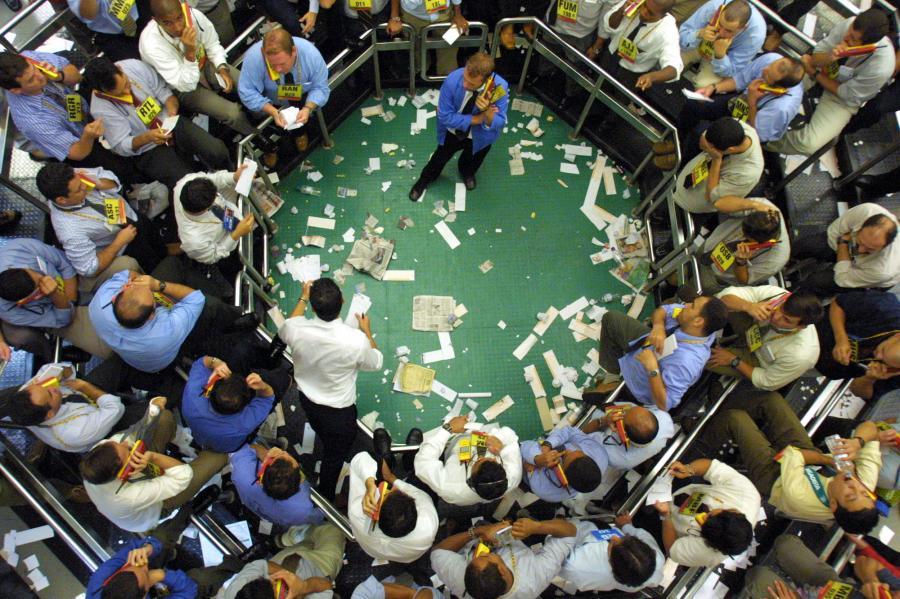 Banki Barclays Bank PLC, Citigroup Global Markets Limited i HSBC Bank plc otrzymały mandat na zorganizowanie emisji 7-letnich euroobligacji benchmarkowych, podał resort finansów