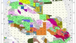 Mapa koncesji na poszukiwanie, rozpoznawanie oraz wydobywanie ropy naftowej, gazu ziemnego i metanu pokładów węgla kamiennego oraz bezzbiornikowe magazynowanie substancji i składowanie odpadów w górotworze, w tym podziemnych wyrobiskach górniczych wraz ze złożonymi wnioskami według stanu na 31 sierpnia 2011 r. Źródło: Ministerstwo Środowiska