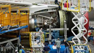 Montaż samolotu 787 Dreamliner w fabryce Boeinga w Everett w stanie Waszyngton