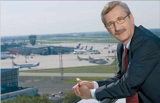Michał Marzec, naczelny dyrektor Przedsiębiorstwa Państwowego Porty Lotnicze, dyrektor Portu Lotniczego im. F. Chopina w Warszawie