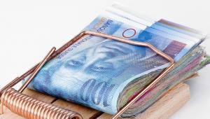 Ucieczka inwestorów od euro powoduje gwałtowny wzrost kursu franka. Zdaniem analityków w przyszłym roku szwajcarska waluta osłabnie, ale nie spadnie poniżej 3 zł. Fot. Shutterstock
