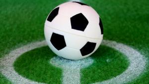 Polscy milionerzy z listy Forbesa hojnie wspierają rodzimy futbol