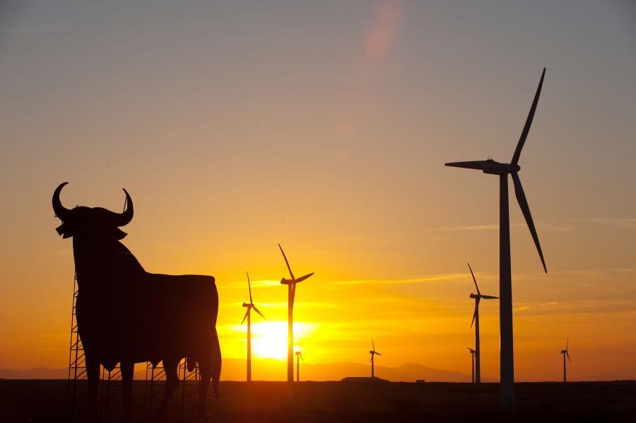 21 mln zł dofinansowania ze środków unijnych na inwestycje proekologiczne, m.in. na kolektory słoneczne dla około tysiąca domów na Podhalu, przeznaczy województwo małopolskie. Fot. Bloomberg