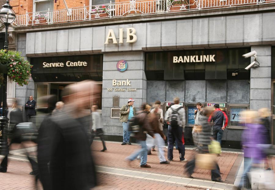Placówka Allied Irish Bank, AIB w Dublinie. Fot. Bloomberg