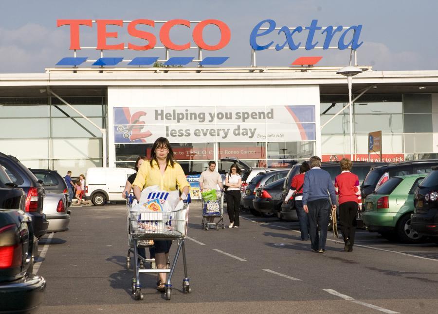 Sklep Tesco w Wielkiej Brytanii, fot. Bloomberg