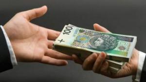 Tylko zamożni inwestorzy mogą kupić obligacje korporacyjne.