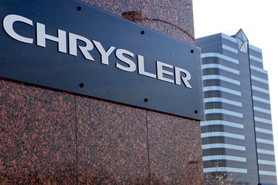 Zarządzany przez Sergio Marchionne Chrysler, który zbankrutował w 2009 roku i jest teraz własnością związków zawodowych, wypuścił na amerykański rynek dwa średniej wielkości sedany. To Chrysler 200 – odświeżona wersja Sebringa – i Dodge Avenger. Na zdj. Siedziba Chryslera w Auburn Hills
