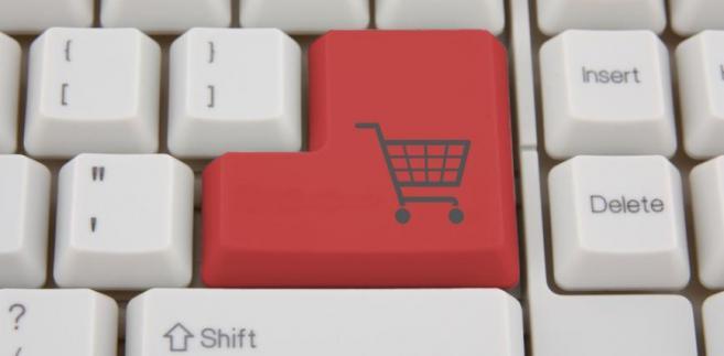 Alibaba i eBay chcą kupić Allegro. Popularny serwis aukcyjny zmieni właściciela?zakupy w internecie, klawiatura, sklep, internet