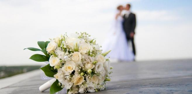 ślub, małżonkowie, nowożeńcy (fot. shutterstock.com)