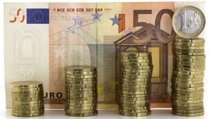 Ministerstwo Finansów spłaciło w listopadzie, w ramach obsługi długu zagranicznego Skarbu Państwa, kapitał w wysokości 531,7 mln euro. Spłaty odsetek wyniosły 72,6 mln euro, poinformował resort w komunikacie w środę.  Fot. Shutterstock