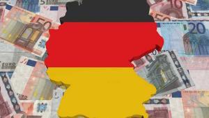 Niemiecka kanclerz przedstawiła wczoraj w Bundestagu swój pomysł na ratowanie niewypłacalnych krajów strefy euro. Będzie go forsować na szczycie Unii. Przesłanie jest jasne: pomoc dla bankrutów – tak, ale na ostrych warunkach Fot. Shutterstock