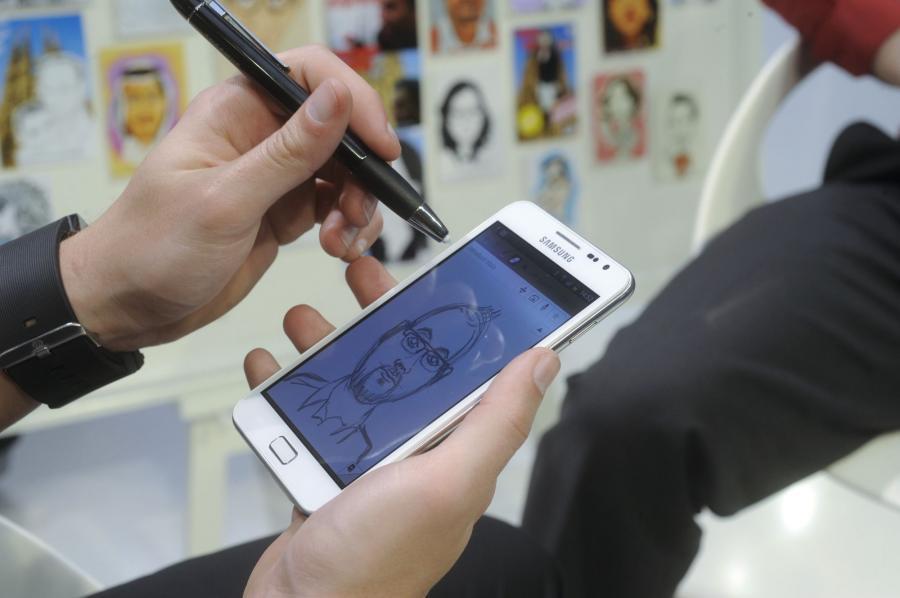 Tablet Samsunga Galaxy Note z systemem malowania i rysowania