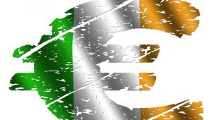 Rząd Irlandii zgodził się przyjąć pakiet finansowy od Unii Europejskiej i MFW. Minister finansów Brian Lenihan powiedział w parlamencie, że pakiet byłby bardzo pożądany. Szczegóły mogą być znane dopiero za kilka dni. Fot. Shutterstock