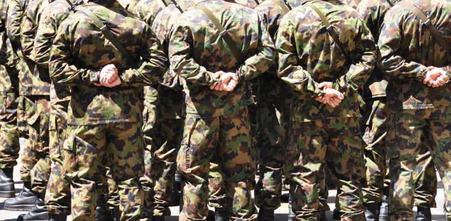 """Formowaniu obrony terytorialnej ma towarzyszyć stworzenie w prawie nowej kategorii żołnierzy-ochotników. """"Tam, gdzie nie starczy ochotników, chcemy skorzystać z rezerwistów"""" – powiedział Kwaśniak."""