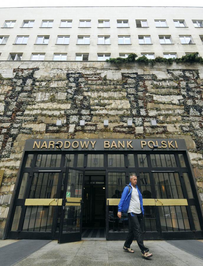 Budynek NBP. Fpt. Bloomberg