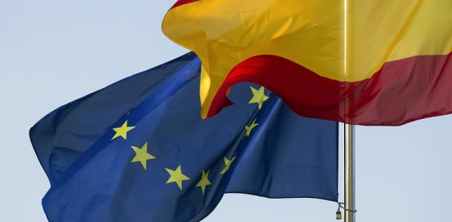 Flagi Hiszpanii i Unii Europejskiej