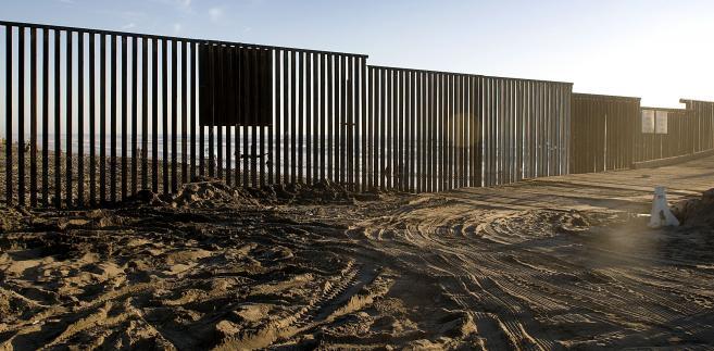 Budowa muru na granicy amerykańsko-meksykańskiej