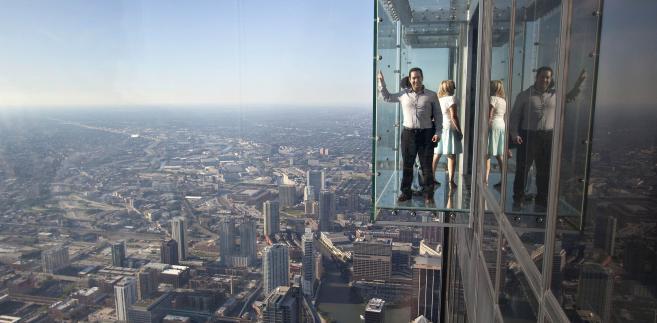 Przeszklony balkon na 103. piętrze Willis Tower w Chicago
