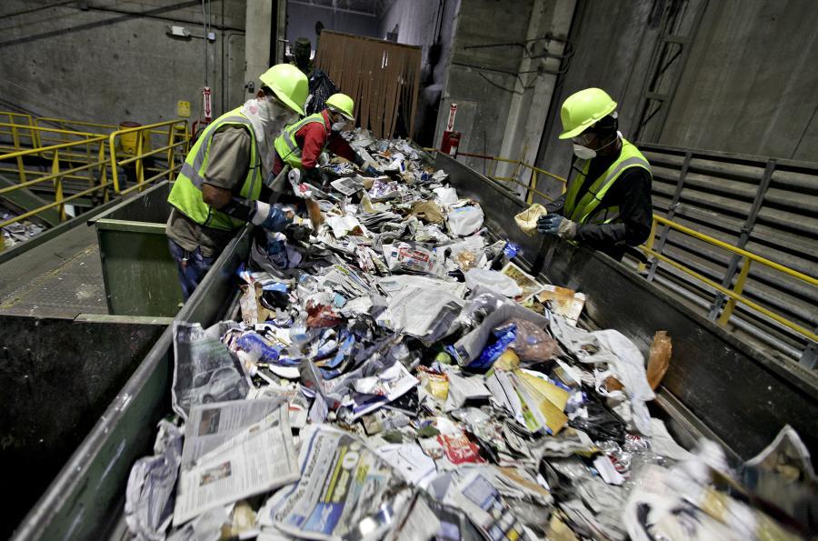 Kraszewski: Jedynym właścicielem odpadów powinny być samorządy Fot. Bloomberg