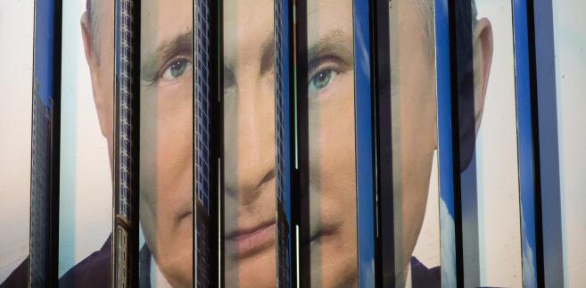 Plakat wyborczy Władimira Putina na ruchomym billboardzie w Moskwie