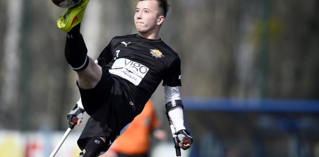 Zawodnik Amp futbolu. Zdj. MediaPictures.pl / Shutterstock.com