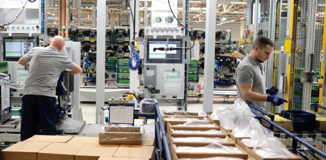 Tychy, 17.01.2019. Montaż silnika PureTech w tyskiej Fabryce Silników Opla, 17 bm. (pkus) PAP/Andrzej Grygiel