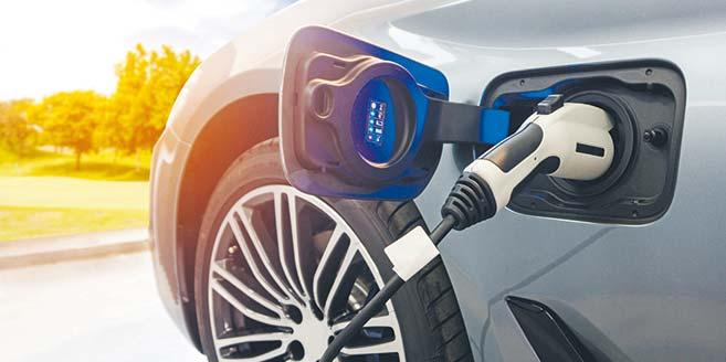 Rynek motoryzacyjny doświadczy kilku strukturalnych kryzysów, nim osiągnie względną równowagę pomiędzy liczbą e-aut i stacji ładowania.