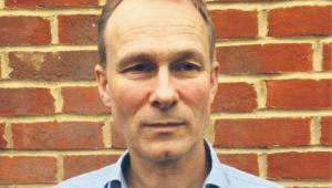 "Robert Verkaik, dziennikarz, autor książki ""Posh Boys: How the English Public Schools Ruin Britain""."