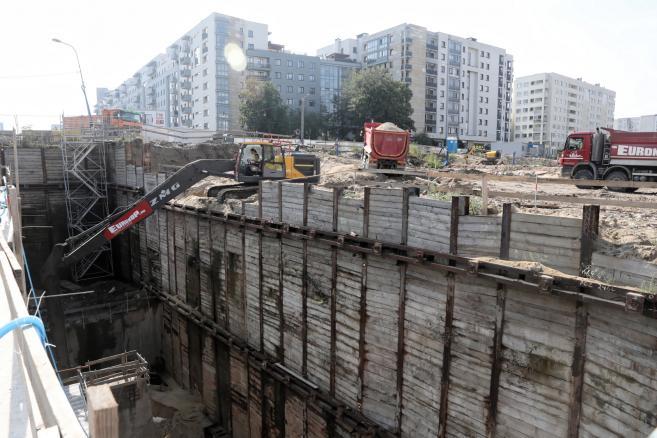 Teren budowy Południowej Obwodnicy Warszawy przy skrzyżowaniu al. KEN z ul. Płaskowickiej w Warszawie. (kf) PAP/Tomasz Gzell